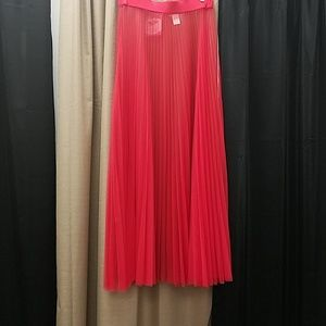 Dresses & Skirts - PLUS SIZE Red Mesh Pleated Maxi Skirt